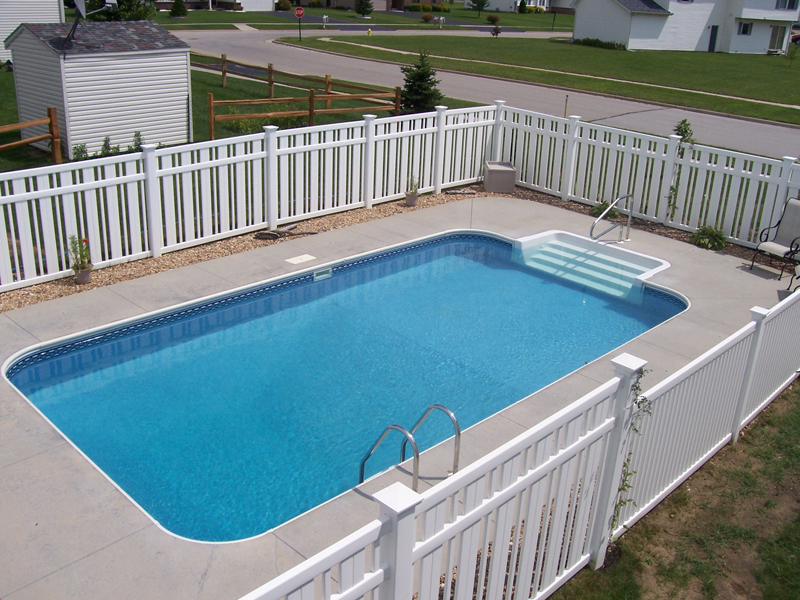 """16' X 32' Rectangle Swimming Pool Kit With 48"""" Steel Walls"""