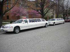 We do offer multiple car discounts!