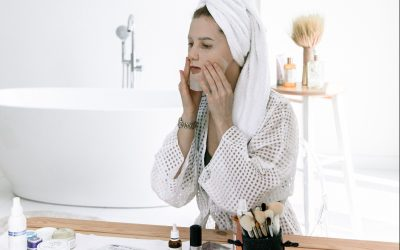Tips: How to Clean Face Masks & Prevent Maskne