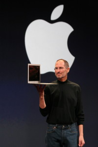 Steve Jobs z MacBook Air