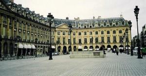 Po placu Vendôme przechadzali się jedni z najniebezpieczniejszych agentów okupowanej Europy.