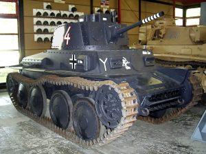 PzKpfw 38(t) Ausf. S w Deutsches Panzermuseum w Munster w barwach niemieckiej 7 Dywizji Pancernej