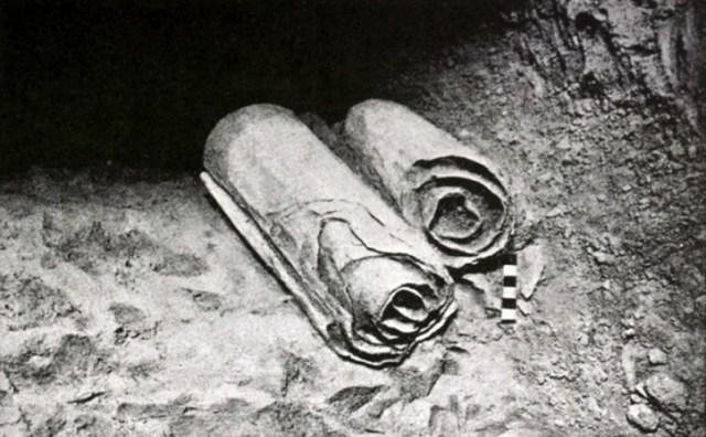 Manuskrypty znad Morza Martwego Źródło: Bezcenne zwoje