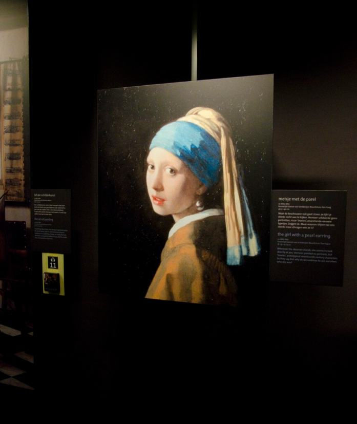girl with a pearl earring in vermeer centrum delft