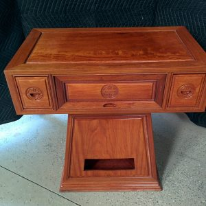 ACCENT TABLE / TV STAND