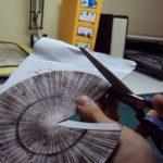 reciclando6 150x150 Cenários de Papel com Material Reciclado