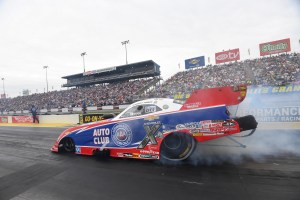 Funny Car pilot Robert Hight racing on Saturday at the 2019 Amalie Motor Oil NHRA Gatornationals
