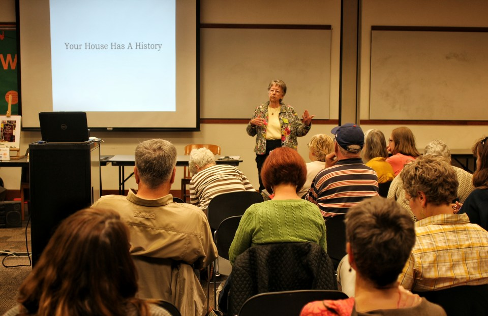 "Kay McSpadden, RPWRHS Vice President, introduces Grace DuMelle's ""Your House Has a History"" program to a packed room."
