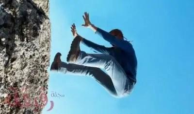 تفسير حلم السقوط في المنام لابن سيرين والنابلسي وحقيقته