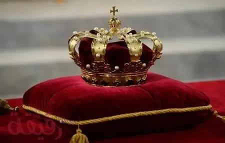 تفسير حلم رؤية الملك الحي أو الميت في المنام لابن سيرين