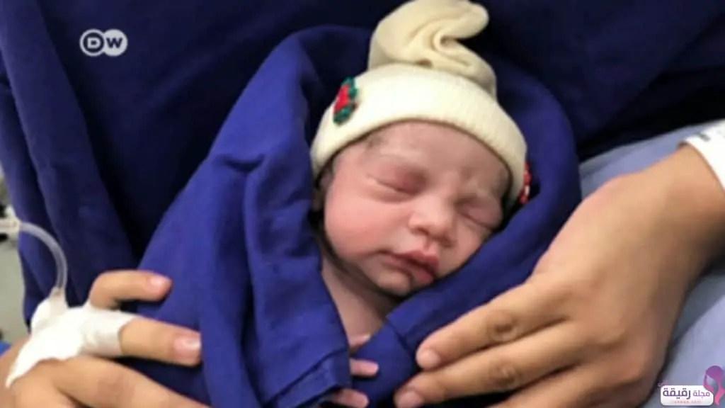 تفسير رؤية الولادة في المنام للعزباء وللمتزوجه وللحامل ولغير