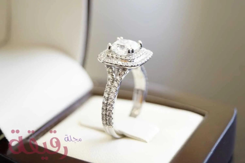 اختيار خاتم الزفاف هل الافضل ذهب ابيض ام اصفر ام بلاتين