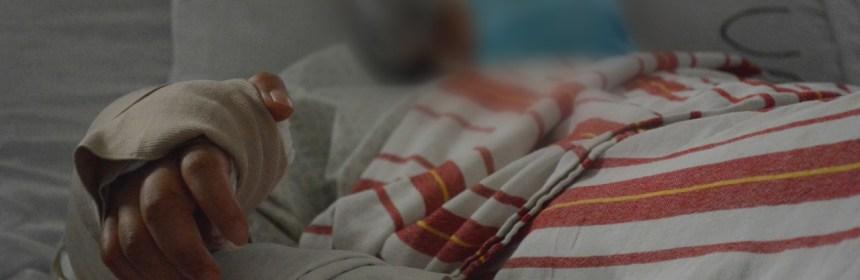 Médicos reconstruyen la mano de una joven en Hospital de Amatitlán