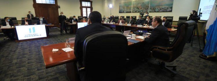 Presidente Giammattei designa a personas allegadas como magistrados de la CC