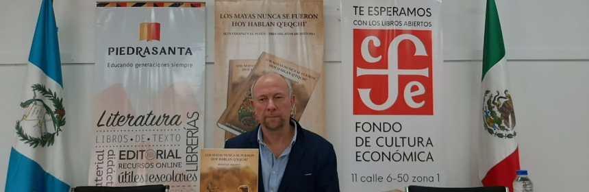 """Presentan libro """"Los mayas nunca se fueron, hoy hablan q´eqchi´"""""""