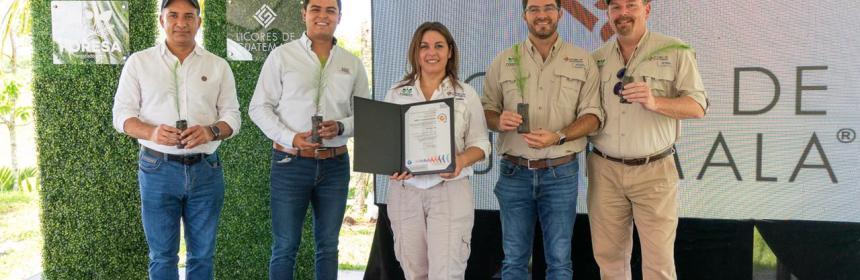 Licores de Guatemala fue declarada empresa Carbono Neutral