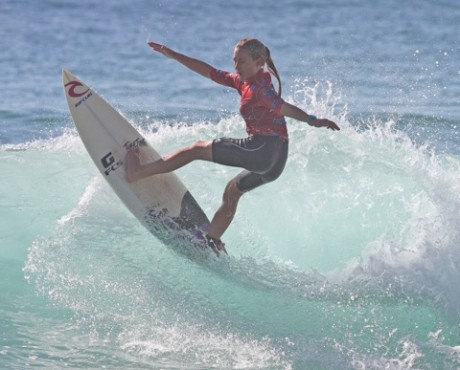 Nikki Van Dijk (Phillip Island, VIC) added another Rip Curl GromSearch win to her bow.