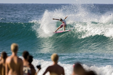 Julian Wilson (AUS), 20, caused the upset of the season, ousting reigning nine-time ASP World Champion Kelly Slater (USA), 37, from Quiksilver Pro Gold Coast competition in Round 3.