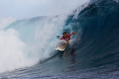 Taj Burrow (AUS), 30, current ASP World No. 7, netted the day's high heat total of a 15.33 out of a possible 20 in Round 2. Photo: ASP/ CI/ SCHOLTZ via GETTY IMAGES
