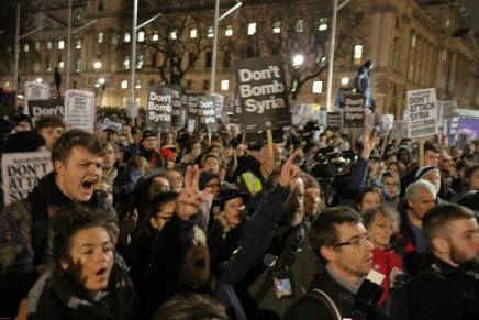 Thousands protest against Cameron's War, solidarity needed with Assad's victims