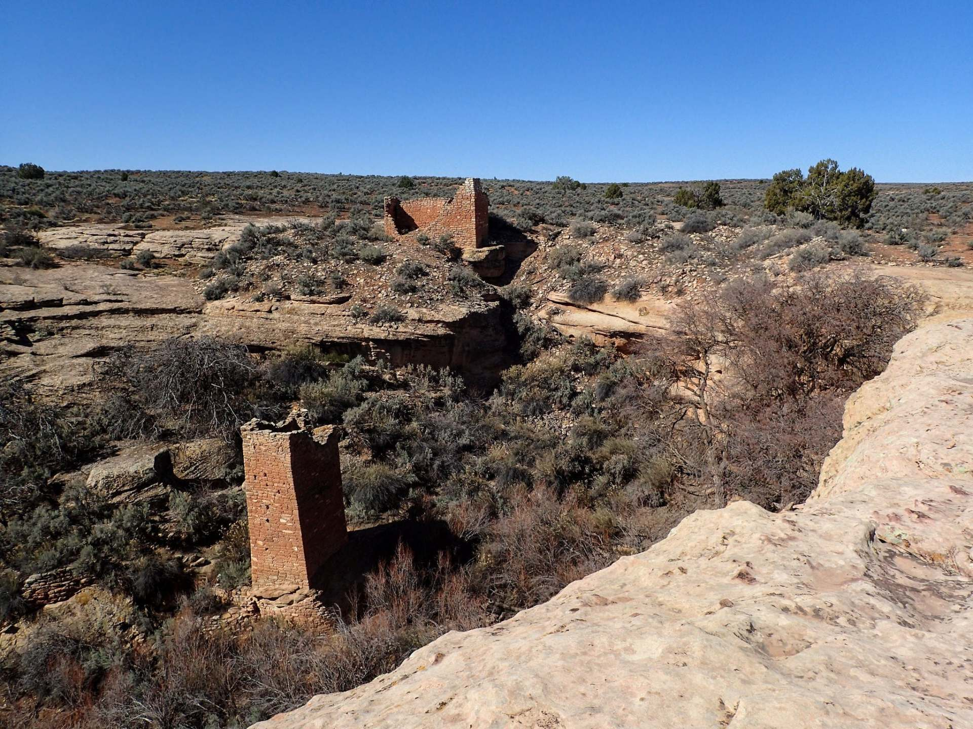 Square-Tower-and-Hovenweep-House