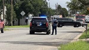 Gunman caught in west Texas standoff that killed 1, hurt 4
