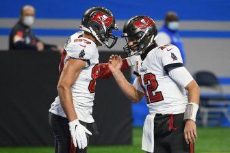 NFL Tom Brady Tampa Bay Buccaneers 336x224 1