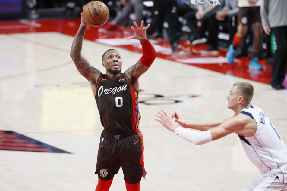 Golden State Warriors trade for Damian Lillard