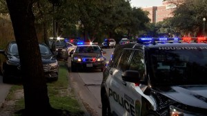Houston officer dead, another wounded while serving warrant
