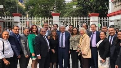 Photo of Grupo afín a Elba Esther demanda a AMLO elección de dirigente en enero