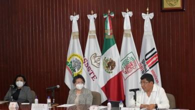 Photo of Se gradúan 358 enfermeras y enfermeros del ISSSTE