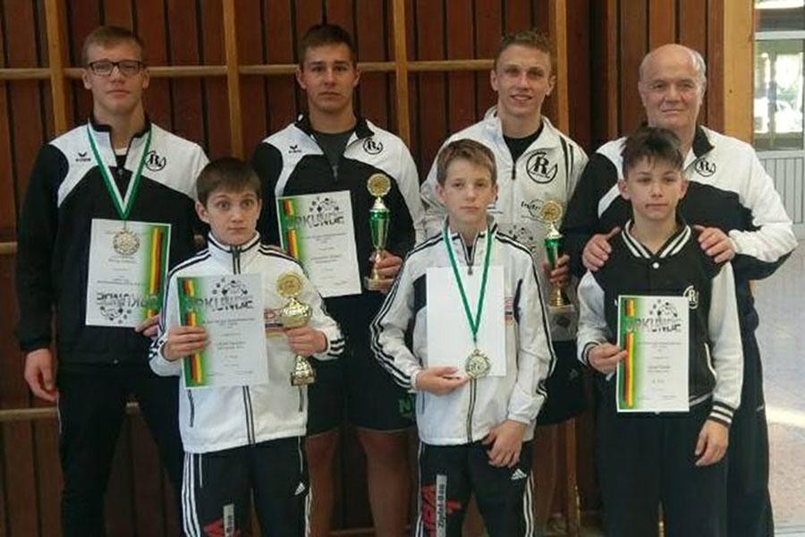 RSV Rotation: Fünf Medaillengewinne beim Ringerturnier in Kirrlach
