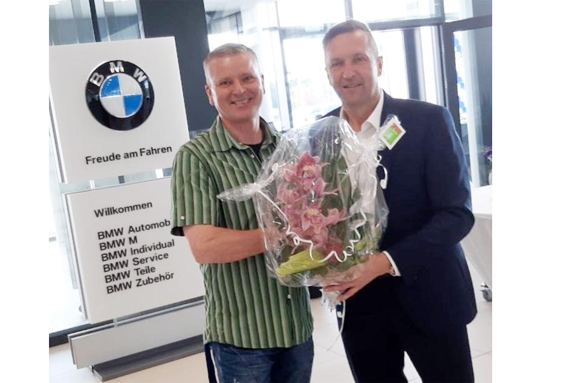 Glückwünsche zur großen Eröffnung möchten wir heute unserem Sponsor, dem BMW Autohaus Kühnert GmbH & KG im Namen des Vorstands übermitteln.