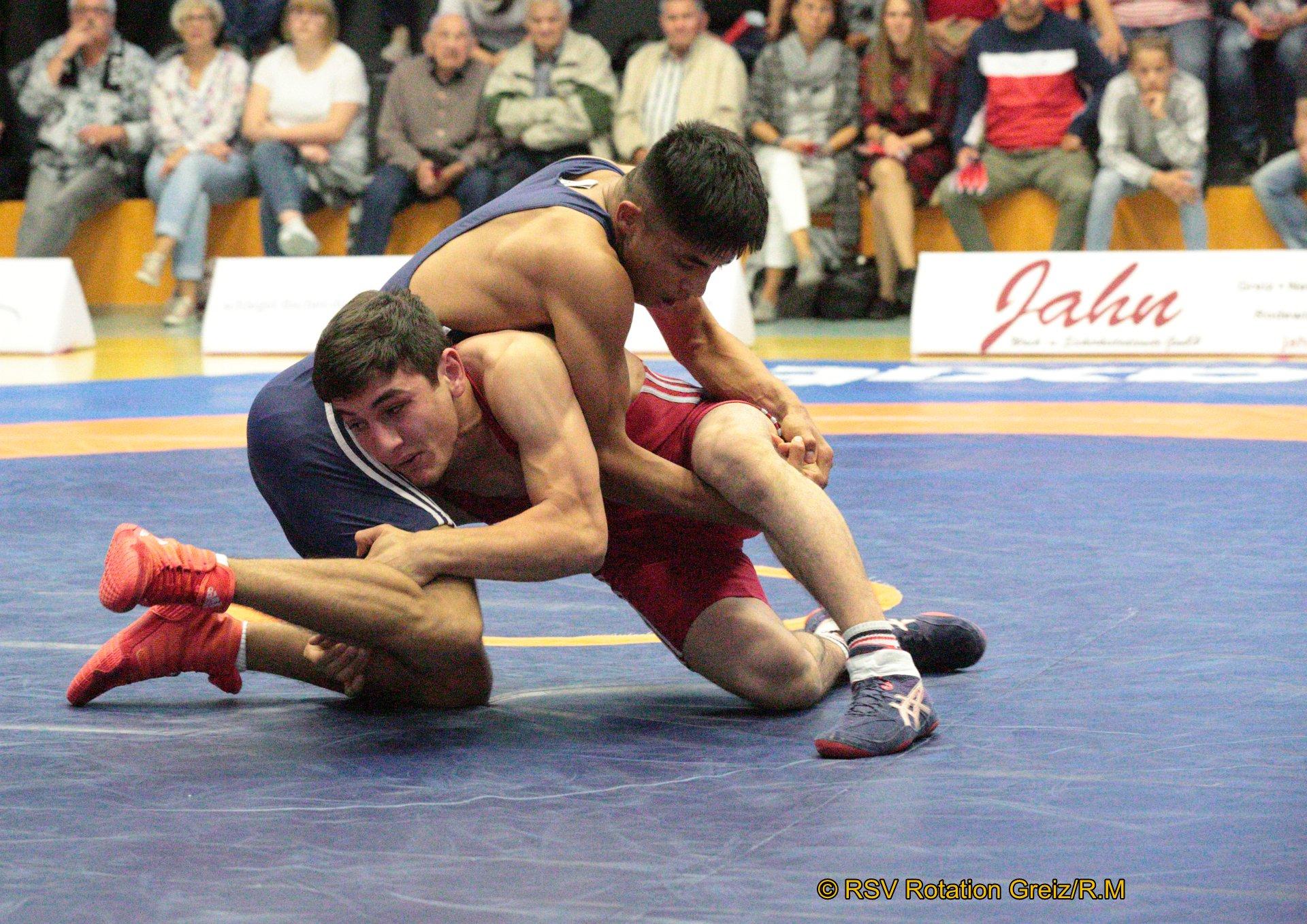 61kg Freistil Rasul Galamatov (rotes Trikot), RSV Rotation Greiz II gegen Adel Gul Hussain, FC Erzgebirge Aue II 3:0/PS/15:4/06:00