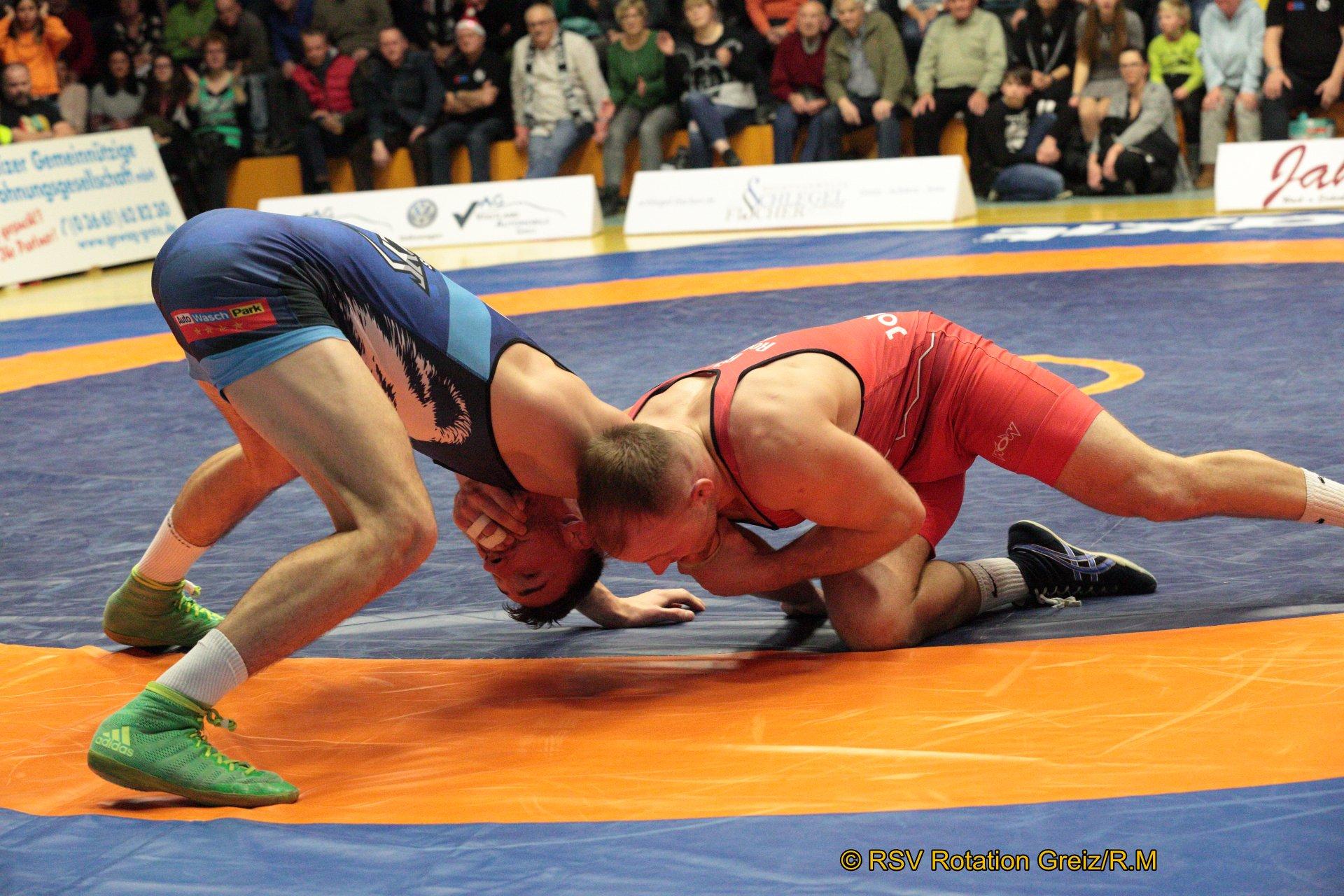 86kg Freistil: Martin Obst (3) (rotes Trikot), RSV Rotation Greiz gegen Eduard Tatarinov (2), SV Johannis Nürnberg 3:0/PS/10:1/06:00