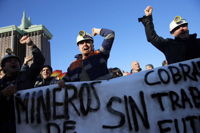 Miners attend a protest against government austerity on February 23, 2013 in Madrid. (AFP Photo / Cesar Manso)