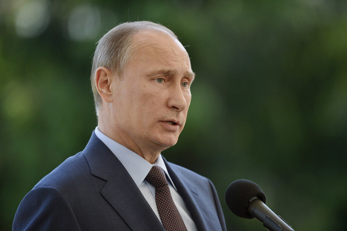 Russian President Vladimir Putin speaks at a news conference at the presidential summer residence Kultaranta in Naantali June 25, 2013. (Reuters/Kimmo Mantyla/Lehtikuva)