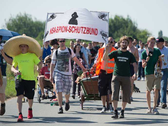 A few hundred people take part in a protest outside a US National Security Agency (NSA) listening station in Griesheim near Darmstadt, Germany (AFP Photo)