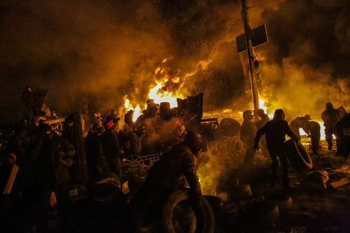 Supporters of European integration of Ukraine clash with the police in the center of Kiev, on January 25, 2014 (RIA Novosti/Andrey Stenin)