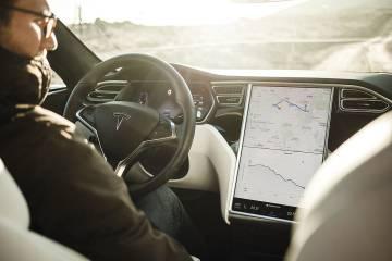 Tesla Model S P100D: un relámpago en el asfalto
