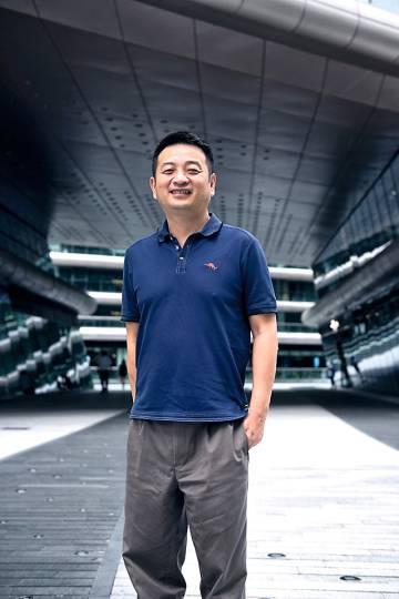James Liang, presidente y cofundador de la compañía, y las apps de Ctrip para China y el mercado internacional.
