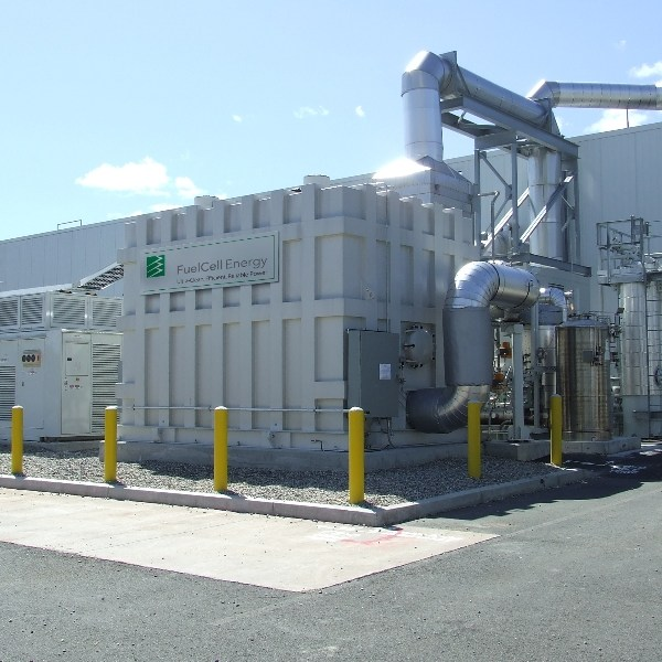 1.2 MW fuel cell at a food processing plant (Source: FuelCell Energy Inc.)