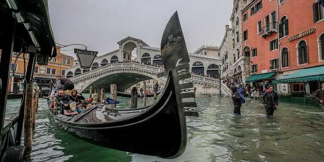 Наводнения не отпугнули россиян от Венеции и Краснодара