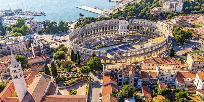 Сколько российских туристов полетит в этом году в Хорватию?