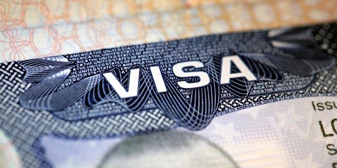 Дипмиссии США возобновили выдачу виз