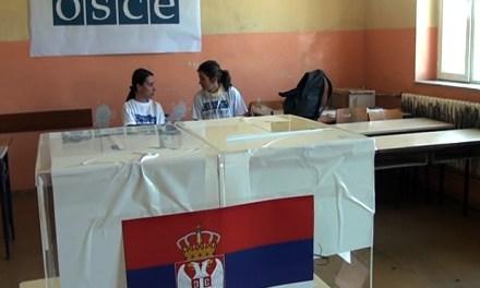 """U Kosovskoj MItrovici biraliste u STS""""Mihailo Petrovic  Alas""""otvoreno je tacno u 7 sati"""