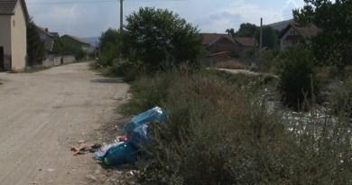 Bacanje smeća u reku ugrožava meštane pored varevskog puta