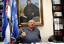 Šešelj negira genocid, radikali nose bedževe