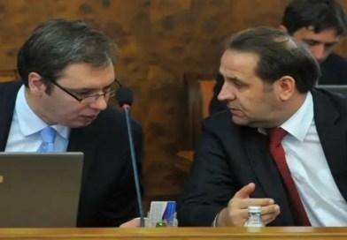 Vučić lično uručuje respiratore bolnici, dočekuje ga Ljajić