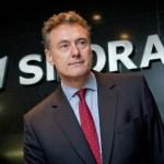 Заработная плата главы временной администрации национализированного банка «Снорас» Саймона Фрикли составляет 160 тыс. евро в месяц